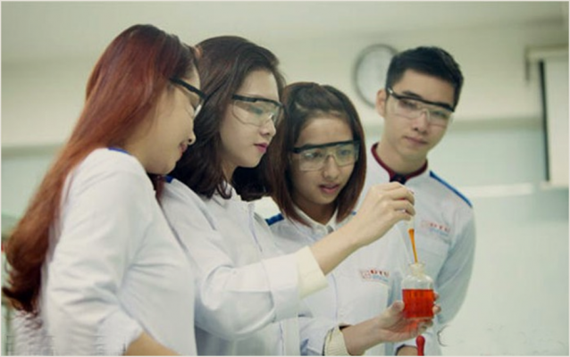 Sinh viên ngành Dược ĐH Duy Tân